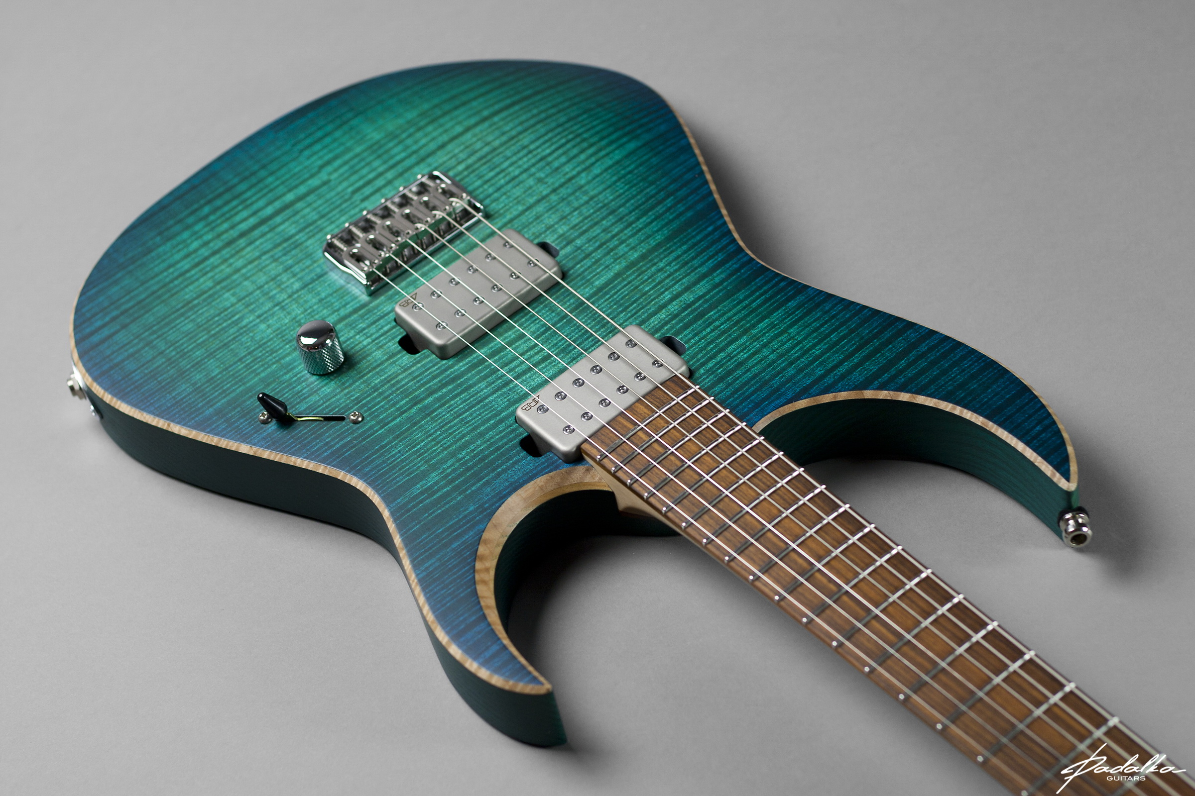 Custom made guitars, hand made guitars, usa custom made guitars