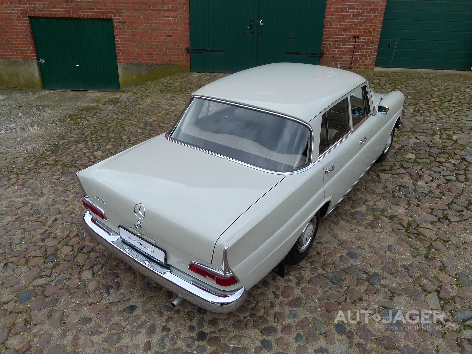 Preview Mercedes-Benz 190C