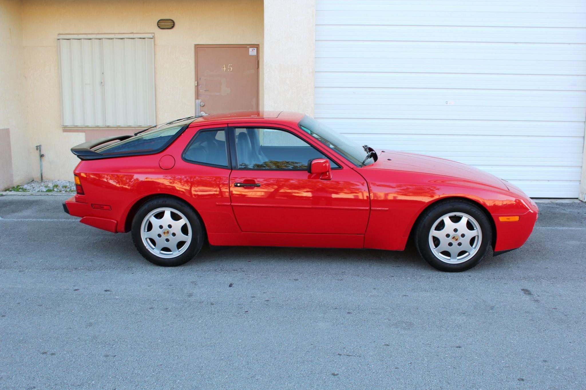 Preview Porsche 944