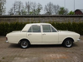 Preview Ford Cortina 1300