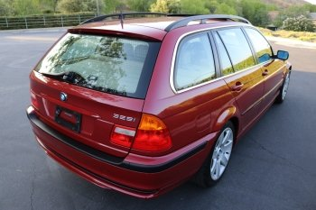 Preview 325i Sport Wagon