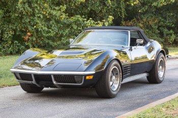 Preview Corvette Stingray (C3) 5.7 V8